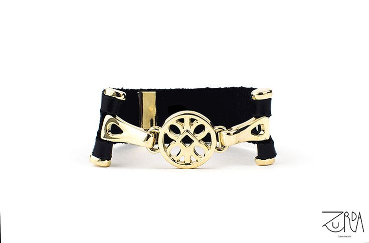 Pulsera Sol, diseñada por Zurda. #Zurda #brazalete #bracelet #bisutería #bijou #diseño #design #Terrenal #AW1415