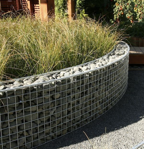 Curved gabion raised bed courtyard pinterest raised for Curved garden wall designs
