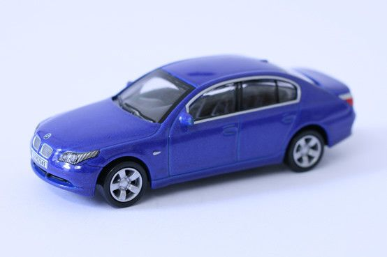 1:64 scale BMW 5 Series – by Schuco