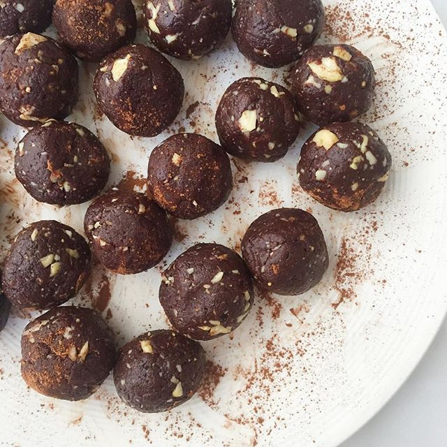 Choc-Peanut Butter Truffle Bites // Nourish Everyday. Get this recipe and 30+ more of our favorite vegan dessert recipes at feedfeed.info/vegan-desserts