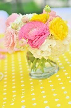 Pink lemonade centerpiece | Bella's Pink Lemonade Party centerpieces summerspastryperfect.com