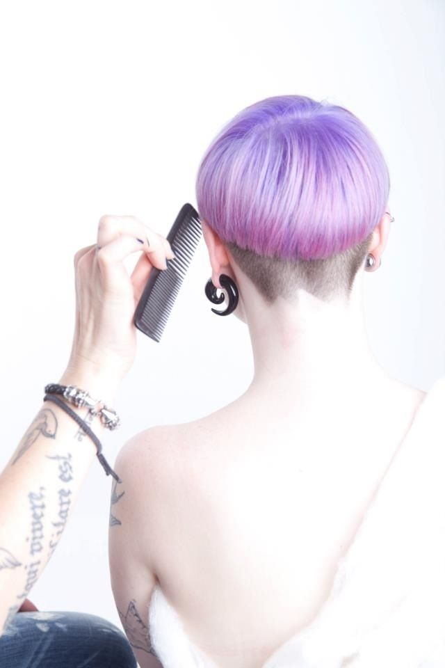 saw a girl with a shaved nape like this in a cafe today and i swooned