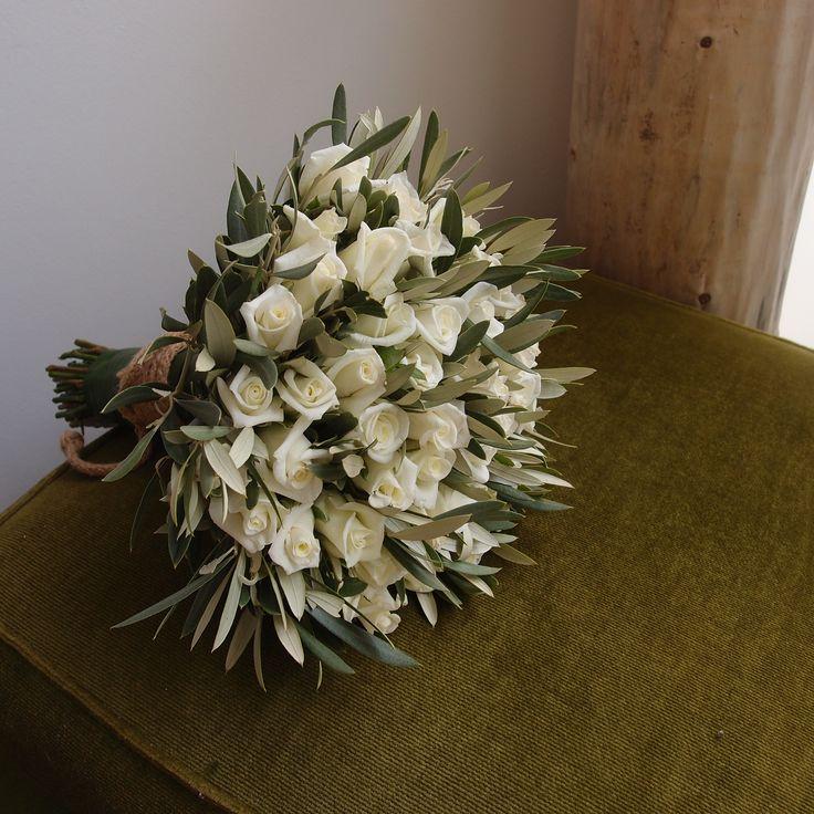 νυφικό μπουκέτο απο ελιά και τριαντάφυλλα..Δεξίωση | Στολισμός Γάμου | Στολισμός Εκκλησίας | Διακόσμηση Βάπτισης | Στολισμός Βάπτισης | Γάμος σε Νησί - στην Παραλία.