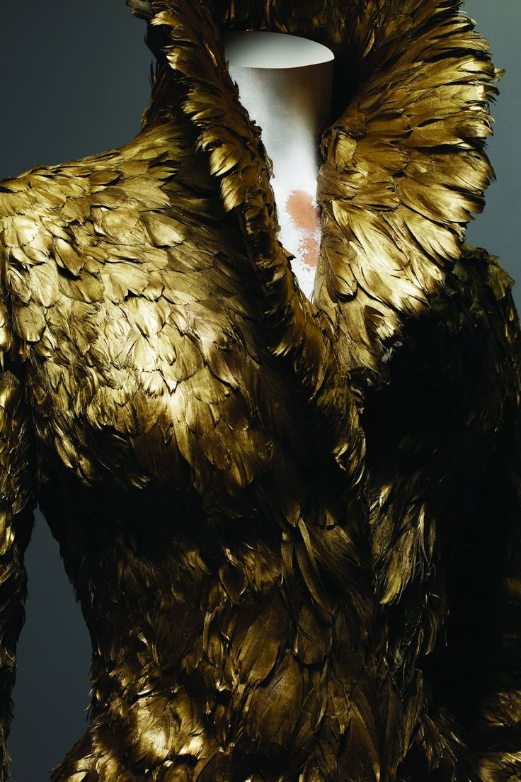 McQueen- gilded gold feathers