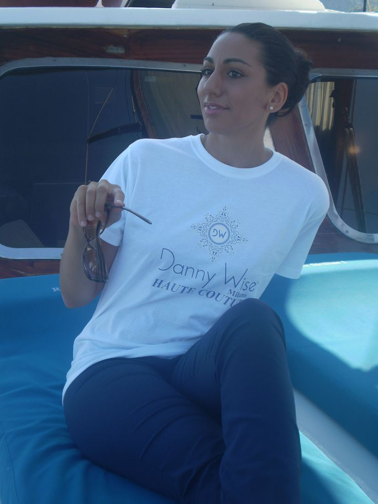 DANNY WISE T. Shirt. DANNY WISE On Yacht for your time Luxury free.  DANNY WISE  Luxury T. Shirt  Woman Slim  100% Cotton  White Logo Fuxia Fluo (Limited edition ) for top collectors.  stamped by Hand in Italy  you can find in DANNY WISE official  Stores.
