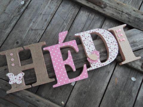 HÉDI egyedileg díszített polisztirol habbetűk igény szerinti színvilággal és egyéni/egyedi stílusban rendelhetők.  A betűk 19cm magasak és a 3cm szélesek. #### name, letters handmade, baby, gift ,név, betűk, kézzel készült, bébi, ajándék...