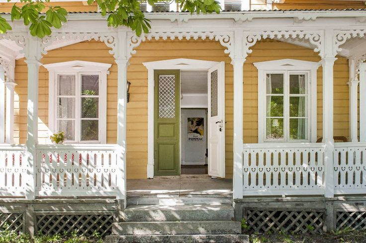 Swedish porch