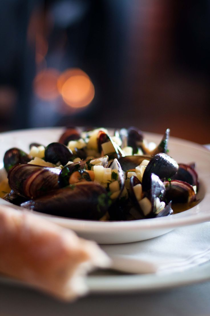 West Coast Mussels with Apple & Cider #Crush32 #seafood #mussles #westcoastmussels #dinnerparty