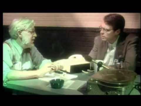 This is a REAL interview with an actual alien!......................................................................................................  http://klowmeister.com/ufo-government-conspiracies.html/