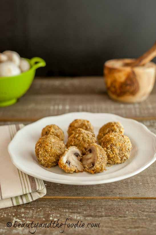 Crispy Oven Fried Garlic Mushrooms, grain free breaded and baked mushrooms, low carb