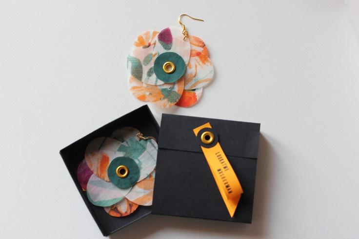 Tissue flowers earrings