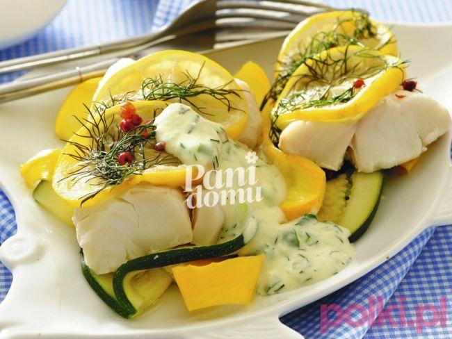 Dorsz z sosem ziołowym gotowany na parze - Przepis