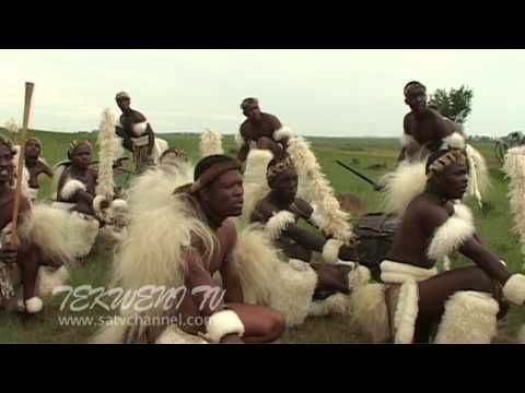 Professional Zulu Dancing - YouTube See similarities to Polynesian  outfit and dance.