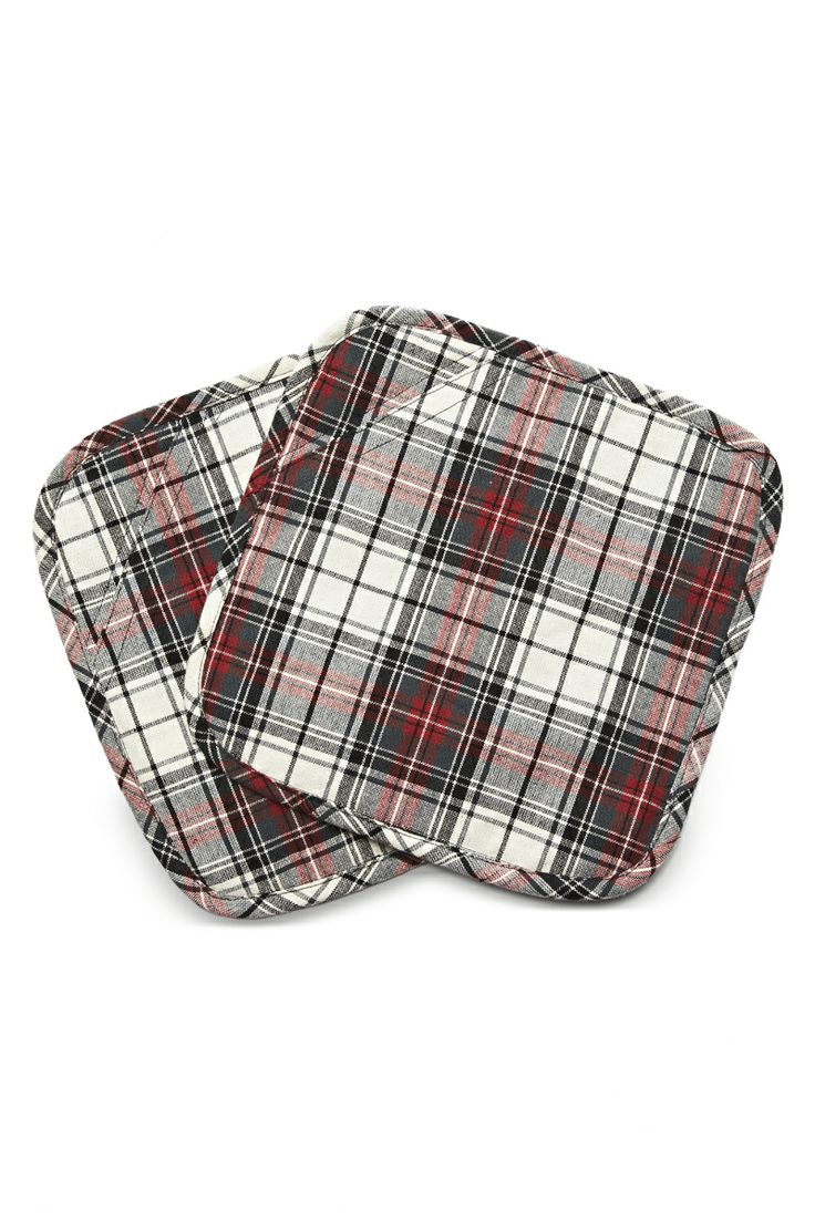 These Florence Design Potholders not only keep your hands from bein burnt, they are also as fancy as hell! <3