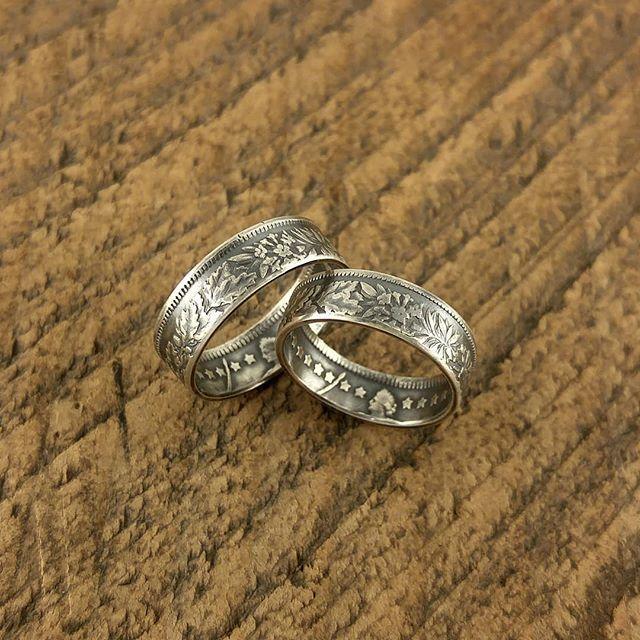 花柄一周になるスイス1フラン銀貨ペア  裏面のスターエタニティも良い感じかと思います  #coinring #coinjewelry #pairing #pair #love #couple #marriage #bridal #ring #eternity #star #swiss #helvetia #silvercoin #silver835 #japan #tokyo #shibuya #yoyogi