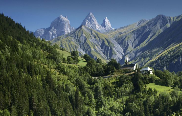 Aiguilles d'Arves, French Alps | 28 French Places That Are Straight Out Of A Fairy Tale