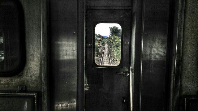 Train-head-ahead-again