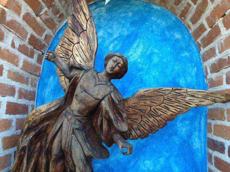 A garden angel at rancholascascadas.com