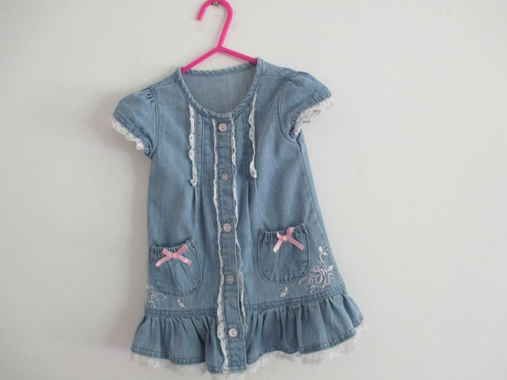 Baby girls vintage style blue denim dress with white lace trim, age 6-9 months