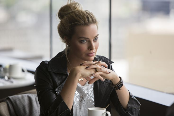 Over 35 new Focus images from the upcoming caper feature stars Margot Robbie and…