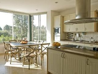 Villa+Sobreiro+-+Quinta+do+Perú+Golf+&+Country+Club+++Holiday Rental in Sesimbra from @HomeAwayUK #holiday #rental #travel #homeaway