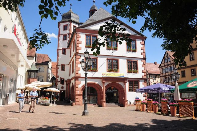 Altes Rathaus on a summer's day