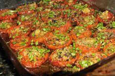Aprende a preparar tomates asados a la italiana con esta rica y fácil receta. Los tomates asados al horno son una de las mejores opciones para acompañar multitud de...