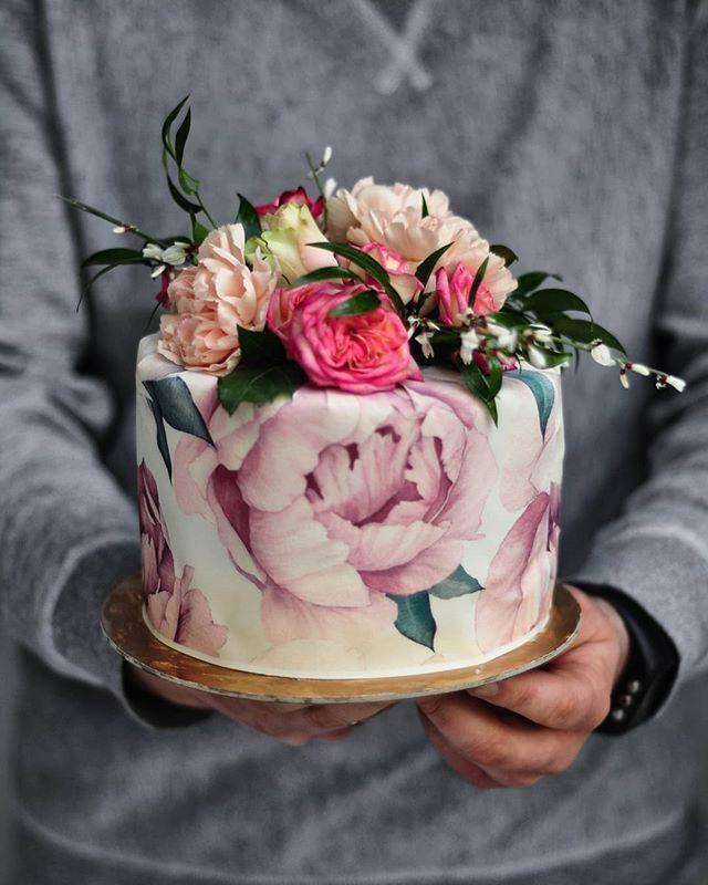 Torcik Efekt Koncowy D Biala Czekolada I Malina Tort Cake Creamcake Gozdziki Kwiaty Owoce Maliny Czekolada Piwonie Likier Desserts Cake Food