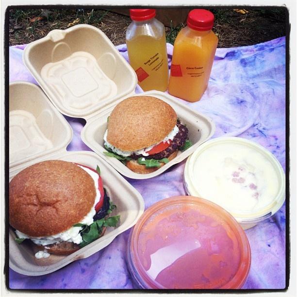Lauren Unger @hintofgreens posted her lunch in Central Park: Unger Hintofgreens, Lunch, Central Park, Hintofgreens Posted, Lauren Unger
