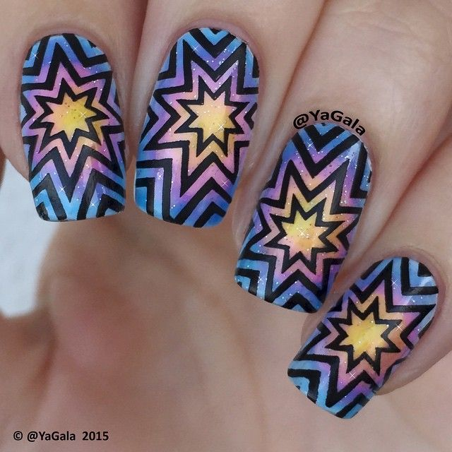 Love that bold, geometric star pattern over the sparkling gradient in these nails by @yagala.She used a nail stamp plate by UberChic Beauty!! Love this plates!!!