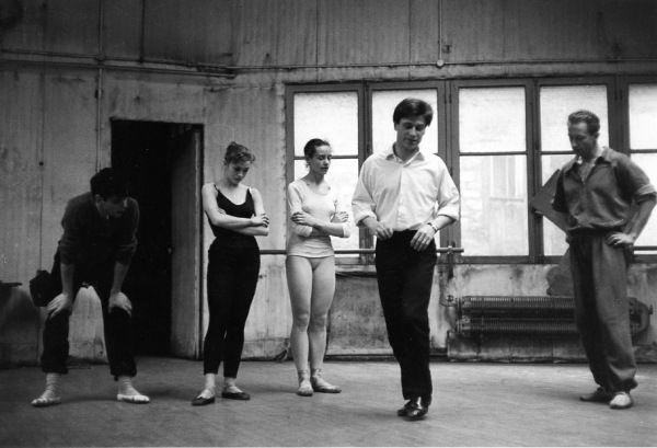 Jean Babilée répète. Paris 1954. ¤Robert Doisneau. Atelier Robert Doisneau   Site officiel