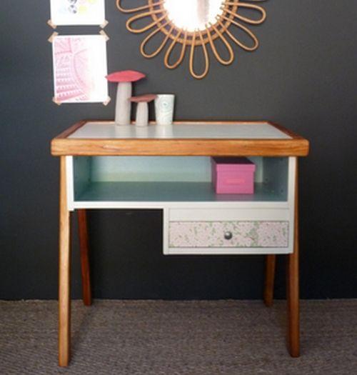 Bureau vintage couleur pastel et sa chaise rose meubles for Bureau 80 cm longueur
