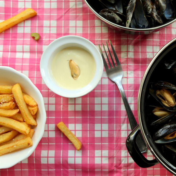 Mosselen met witte wijn en frietjes (natuurlijk)