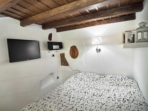 tiny house in Italy