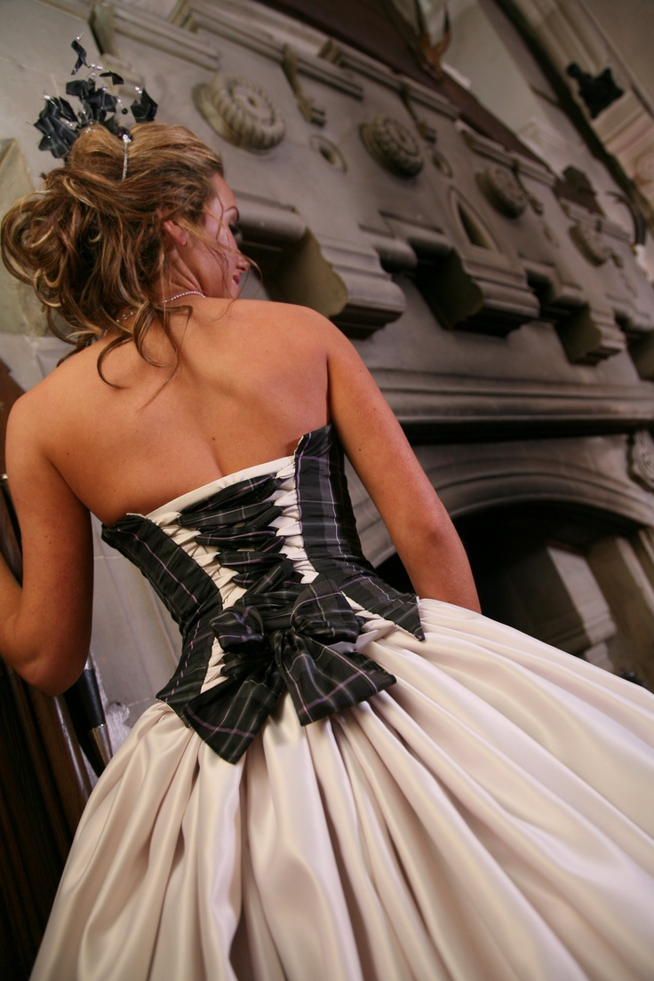 Tartan Wedding Dress Tartan Wedding ideas, Scottish Wedding, Tartan patterned Ideas and Inspirations. Wedding Directory-UK