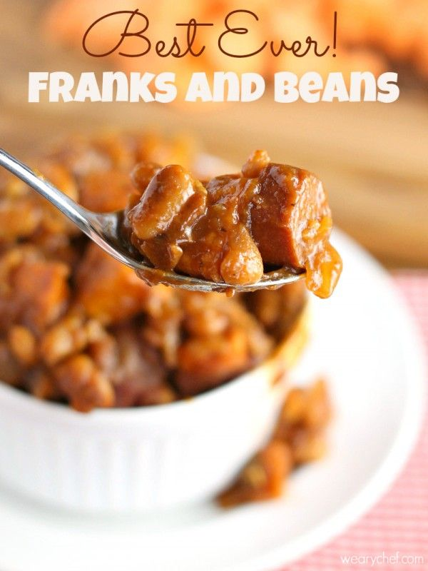 These Franks and Beans with Sweet Potatoes are a hearty, comforting, healthy dinner! - wearychef.com