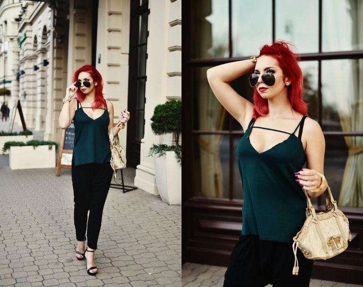scandalouslyshe.eu Check me out on lookbook as well: http://lookbook.nu/milenacorleone #Classy #stylish  #formal #elegant #outfit #look #date #sexy #sensual #redhead #pullandbear #pimkie #glasses #elegance #newlook #highheels #blogger