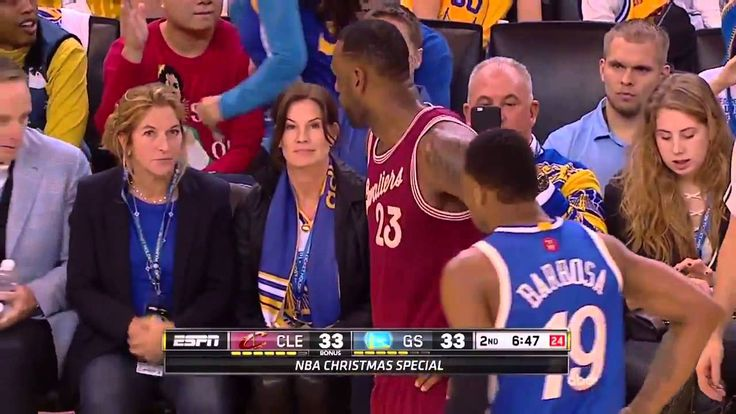 LeBron catches Warriors fan calling him a crybaby #lebron #nba #cavs #warriors