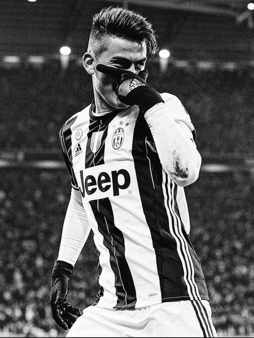 Dybala liga italianean jokatzen du.  78 golak eramaten ditu. Bere selekzioa argentina da eta horain Juventus taldean jokatzen ari da.
