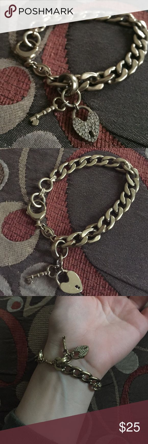 Fossil Bracelet Had for a while. Needs a bit of cleaning but still in good condition Fossil Jewelry Bracelets