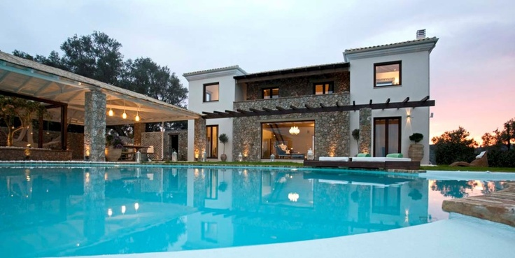 Alanis villa in Prinias, Corfu. Accommodation in Prinias, offers a breathtaking view, with crystal - clear blue water lying straight ahead and nothing to block your sight for as far as the town of Corfu.