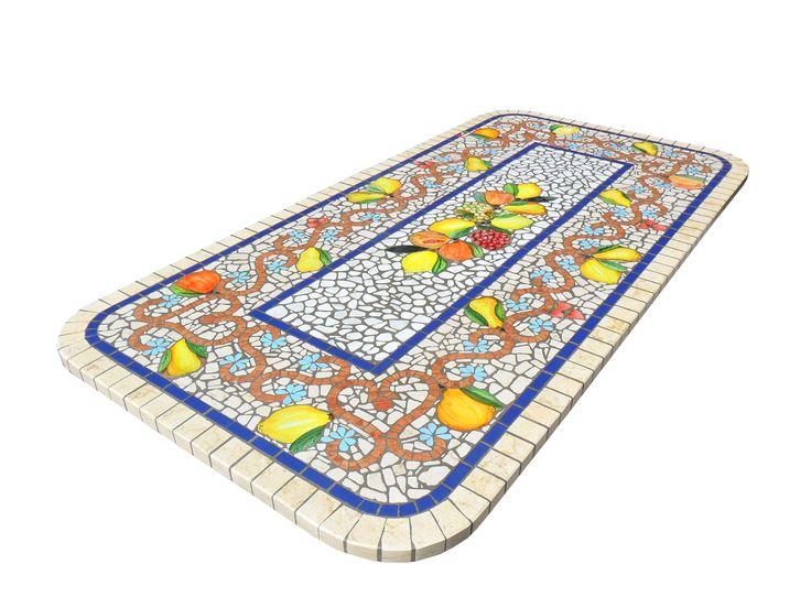 Tavolo per esterni in marmo e inserti in pietra lavica ceramizzata, molti i formati e le misure disponibili, contattaci per altre info!