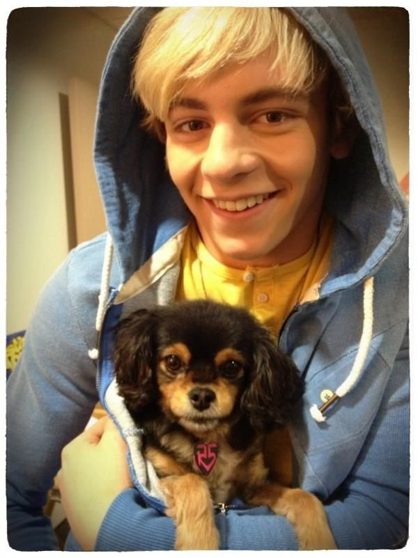 I love Ross Lynch!.....and his dog! ❤️ actor and singer