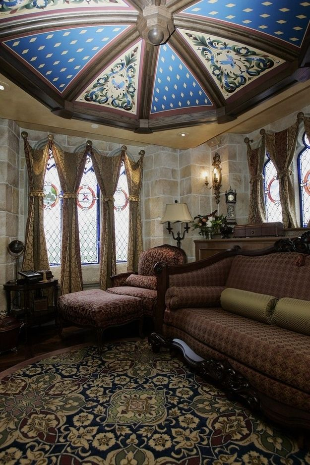Disney decided to complete the suite in 2005. Today it's called the Cinderella Castle Suite, and it looks like this.