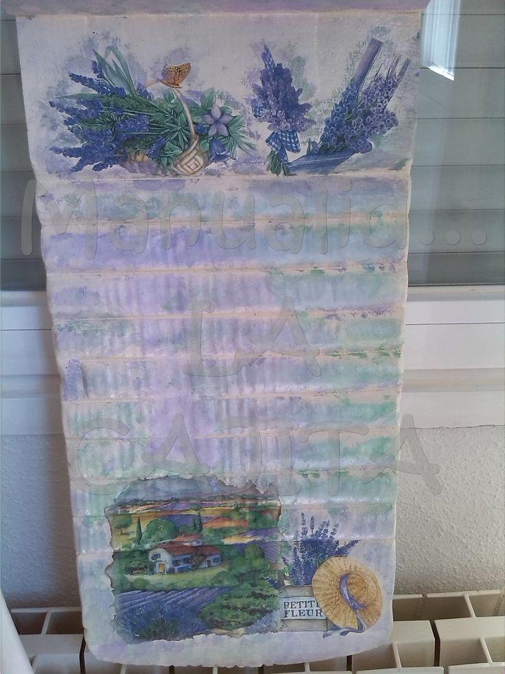 Tabla de lavar de madera decorado con decoupage.