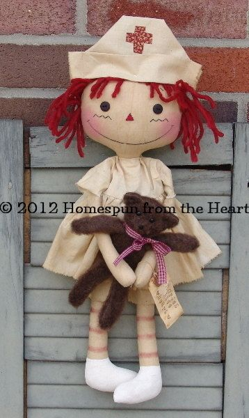 Primitive Raggedy Ann Nurse Doll with Bear par CindysHomespun