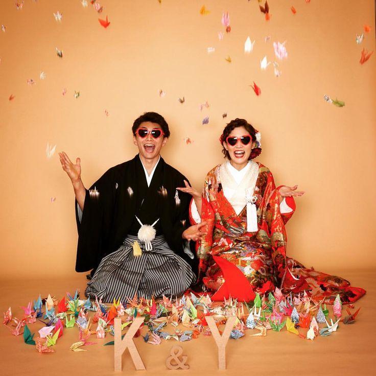 いいね!71件、コメント1件 ― 5to7さん(@5to7_kimono)のInstagramアカウント: 「カジュアルお正座で鶴シャワーでパシャり畳や赤い絨毯のご用意もありますが、何もひかないのもなんだか可愛いお二人で頑張って折ってきた鶴達と、スタッフが折った鶴でボリュームのある鶴シャワーができました寄付していただいたので、ぜひ鶴シャワーご希望の際はカメラマンにお伝えください♪…」
