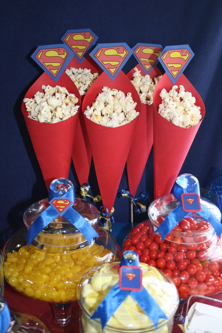 Superman theme popcorn cones great for a sweets table for Ideas faciles decoracion