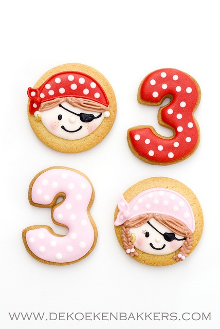 This would make awesome Jake and the Nederland pirate cookies! -vrg