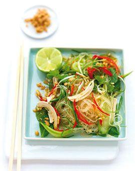 Glasnudeln mit Huhn und Minze - Herzhafte Gerichte für den Sommer - [LIVING AT HOME]